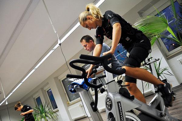 EMS-Training auf dem Ergometer im BodytecPoint Nürnberg