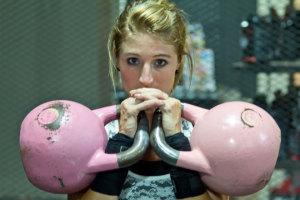 Frauen BodyCROSS und Kettlebell Training