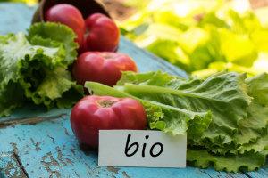 Ist Bio gesünder? Wir gehen der Frage auf den Grund und erklären Dir 6 weitere weit verbreitete Bio-Mythen.