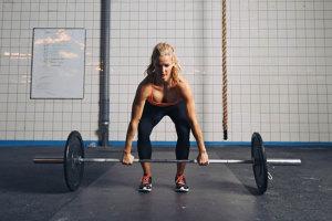 Kreuzheben – Klassiker für einen starken Rücken und knackigen Hintern