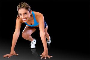 Mountain Climbers sind wahre Alleskönner und trainieren gleichzeitig Bauch, Rücken, Po und Beine. Wir erklären, wie die Bodyweight-Übung geht